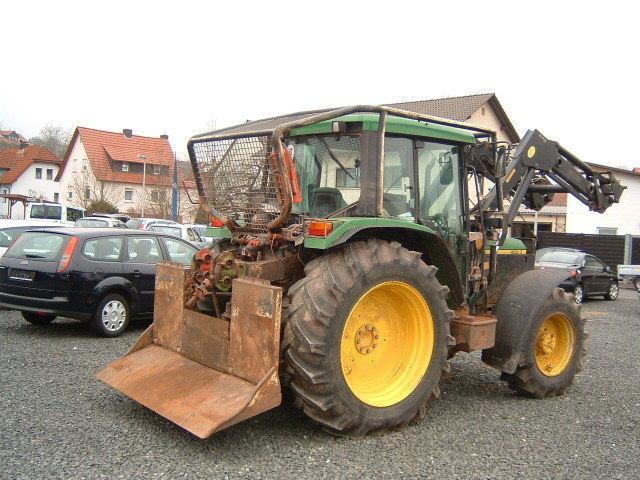 Tractor Forestier cu Troliu Dublu John DEERE
